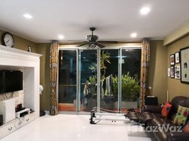 2 Bedrooms Condo for sale in Si Lom, Bangkok The Legend Saladaeng