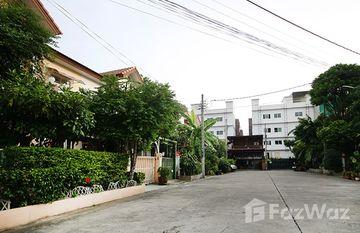 Baan Sathron Grandville in Bang Bon, Bangkok