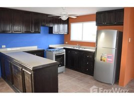 2 Habitaciones Casa en venta en Puerto De Cayo, Manabi Oceanview Home!, Puerto Cayo, Manabí