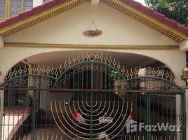 3 Bedrooms House for sale in Bang Bon, Bangkok Phet Monthon Green Village