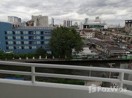Studio Condo for rent in Khlong Tan Nuea, Bangkok Jitrapar Mansion
