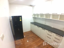 1 Bedroom Condo for rent in Sam Sen Nai, Bangkok Green Peace Mansion