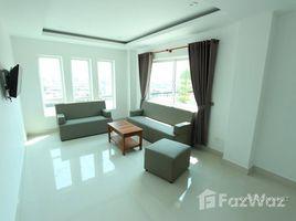 ផ្ទះ 2 បន្ទប់គេង សម្រាប់ជួល ក្នុង Boeng Keng Kang Ti Bei, ភ្នំពេញ New Apartment in a Complex Near the Russian Market | Phnom Penh