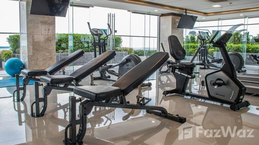 Photos 1 of the Fitnessstudio at The Peak Towers