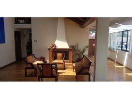 4 Habitaciones Apartamento en venta en Guangopolo, Pichincha Gonzalez Suarez - Quito