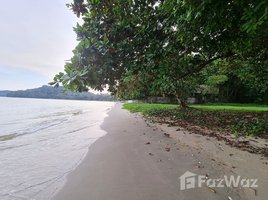 罗勇府 Chak Phong 13-0-34.6 Rai Beachfront Land for Sale in Klaeng N/A 土地 售