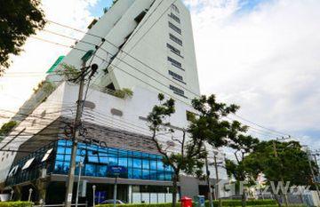 The Royal Navin Tower in Chong Nonsi, Bangkok