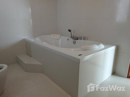 3 Bedrooms Condo for sale in Khlong Tan Nuea, Bangkok Turn Berry