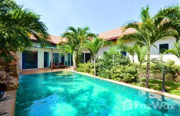 Majestic Residence Pratumnak in Nong Prue, Pattaya