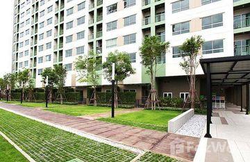 Lumpini Park Phet Kasem 98 in Nong Khang Phlu, Bangkok