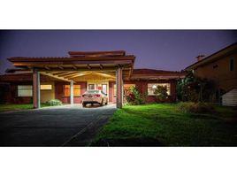 5 Habitaciones Casa en venta en , Heredia Mansión en Santo Tomas de Santo Domingo de Heredia de 400 m2 en lote de 2668 m2: House For Sale in S, Santo Tomás, Heredia