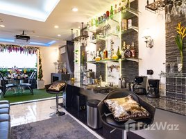 5 Bedrooms Penthouse for rent in Phra Khanong Nuea, Bangkok not-set