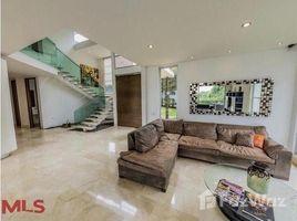 4 Habitaciones Casa en venta en , Antioquia AVENUE 10 # 9 244, Medell�n Poblado, Antioqu�a