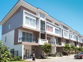 3 Bedrooms Townhouse for sale in Chak Angrae Leu, Phnom Penh Other-KH-57010