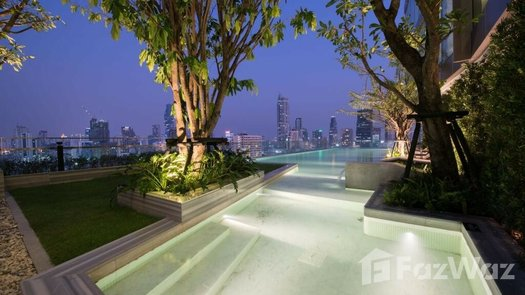 Photos 1 of the 游泳池 at The Room Charoenkrung 30