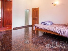 3 Bedrooms Townhouse for rent in Tonle Basak, Phnom Penh Other-KH-76868