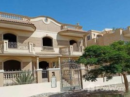 6 Bedrooms Villa for sale in Sheikh Zayed Compounds, Giza Beverly Hills