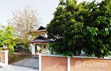 Baan Vieng Ping Villa in Talat Khwan, Chiang Mai