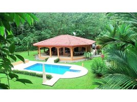 Puntarenas BEAUTY, WARMTH, VALUE! Open-concept home, with A/C, tiled swimming pool, & bordered by a river.: Sui, Ojochal, Puntarenas 2 卧室 屋 售