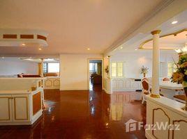 3 Bedrooms Condo for rent in Khlong Tan Nuea, Bangkok Oriental Towers