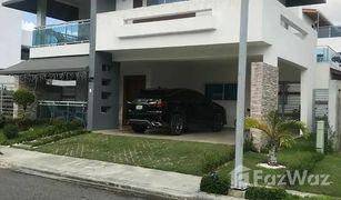 4 Habitaciones Propiedad en venta en , San Cristobal