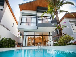 3 Bedrooms Property for rent in Rawai, Phuket Civetta Villas