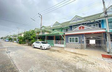 Pruksa 12/1 Rangsit Klong 3 in Khlong Ha, Pathum Thani