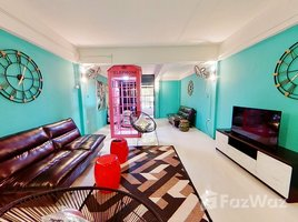 2 Bedrooms Townhouse for sale in Chang Phueak, Chiang Mai Classic Townhouse with Old World Charm