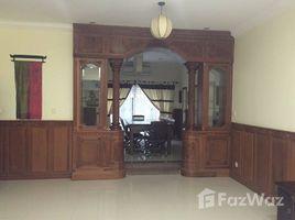 3 Bedrooms Townhouse for rent in Tonle Basak, Phnom Penh Other-KH-56015