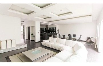 BEAUTIFUL CONDO WITH BEAUTIFUL VIEW WITH BAR ON THIRD FLOOR in , San José