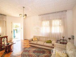 3 Quartos Casa à venda em Porto Alegre, Rio Grande do Sul Casa com 3 Quartos à Venda, 197 m² por R$ 580.000
