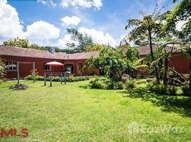 4 Habitaciones Casa en venta en , Antioquia KILOMETER 2 # 0, Medell�n Poblado, Antioqu�a