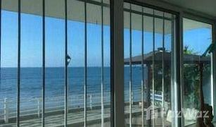 3 Habitaciones Apartamento en venta en La Libertad, Santa Elena Spondylus: Collect Seashells At This Seaside Rental!