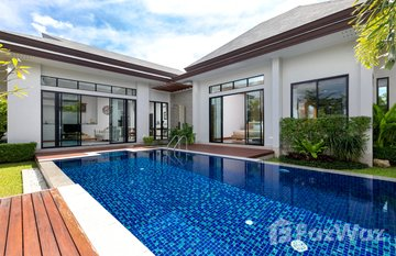 Tanode Estate in Choeng Thale, Phuket