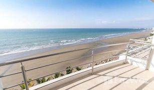 3 Habitaciones Apartamento en venta en Manta, Manabi Rare under market opportunity in beachfront building! Large 3 bedroom w/Bonus Terrace!! **FURNISHED!