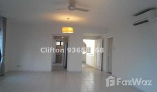 4 Bedrooms Property for sale in Marine parade, Central Region Marine Parade Road