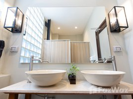 4 Bedrooms Condo for rent in Si Lom, Bangkok Prince Theatre Heritage Stay