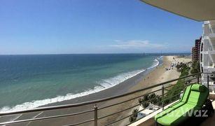 2 Habitaciones Apartamento en venta en Manta, Manabi Partially Furnished Ocean Front.
