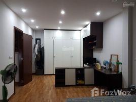 4 Phòng ngủ Nhà mặt tiền bán ở Trung Tự, Hà Nội Bán gấp nhà Thái Hà 80tr/m2, nhà mới đẹp có sân, oto cách nhà 40m, diện tích 68m2, mặt tiền 4m