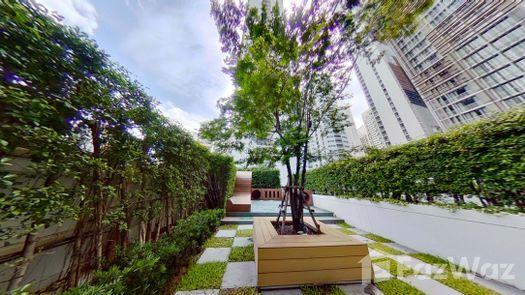 3D Walkthrough of the Communal Garden Area at Park Origin Phrom Phong