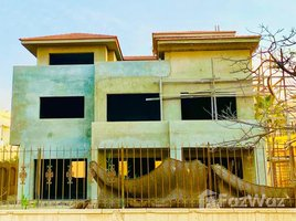 7 Bedrooms Villa for sale in Sheikh Zayed Compounds, Giza Beverly Hills