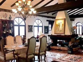 2 Habitaciones Casa en venta en San Joaquin, Azuay San Joaquin Hilltop Beauty: Enchanting 3,000 Square Foot Cuenca Home Charms All the Senses, San Joaquin - Cuenca, Azuay