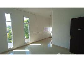 East Jawa Lakarsantri Sewa Rumah Citraland 085101776615 (Phone-WA), Surabaya, Jawa Timur 3 卧室 屋 售