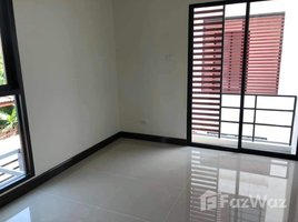 4 Bedrooms Townhouse for sale in Bang Khae Nuea, Bangkok The Idol 2