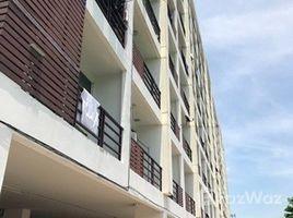 2 Bedrooms Condo for sale in Bang Chak, Bangkok Ratchapruek Condo