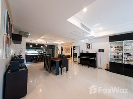 3 Bedrooms Condo for sale in Khlong Tan, Bangkok La Vie En Rose Place