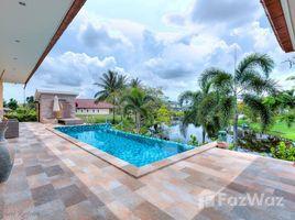 4 ห้องนอน วิลล่า ขาย ใน หินเหล็กไฟ, หัวหิน 4 Bedroom Lakeside Pool Villa for Sale in Hin Lek Fai