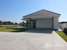 3 ห้องนอน วิลล่า ขาย ใน หินเหล็กไฟ, หัวหิน Top Quality 3 Bedroom Pool Villa on Very Large Land Plot in Hua Hin