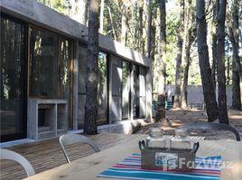 4 Habitaciones Casa en alquiler en , Buenos Aires Bosque 45, Punta Médanos, Buenos Aires