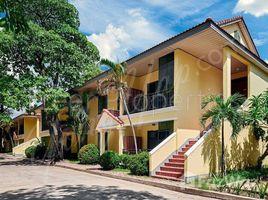3 chambres Villa a vendre à Chakto Mukh, Phnom Penh 3 BR serviced villa for rent Chaktomuk $2000
